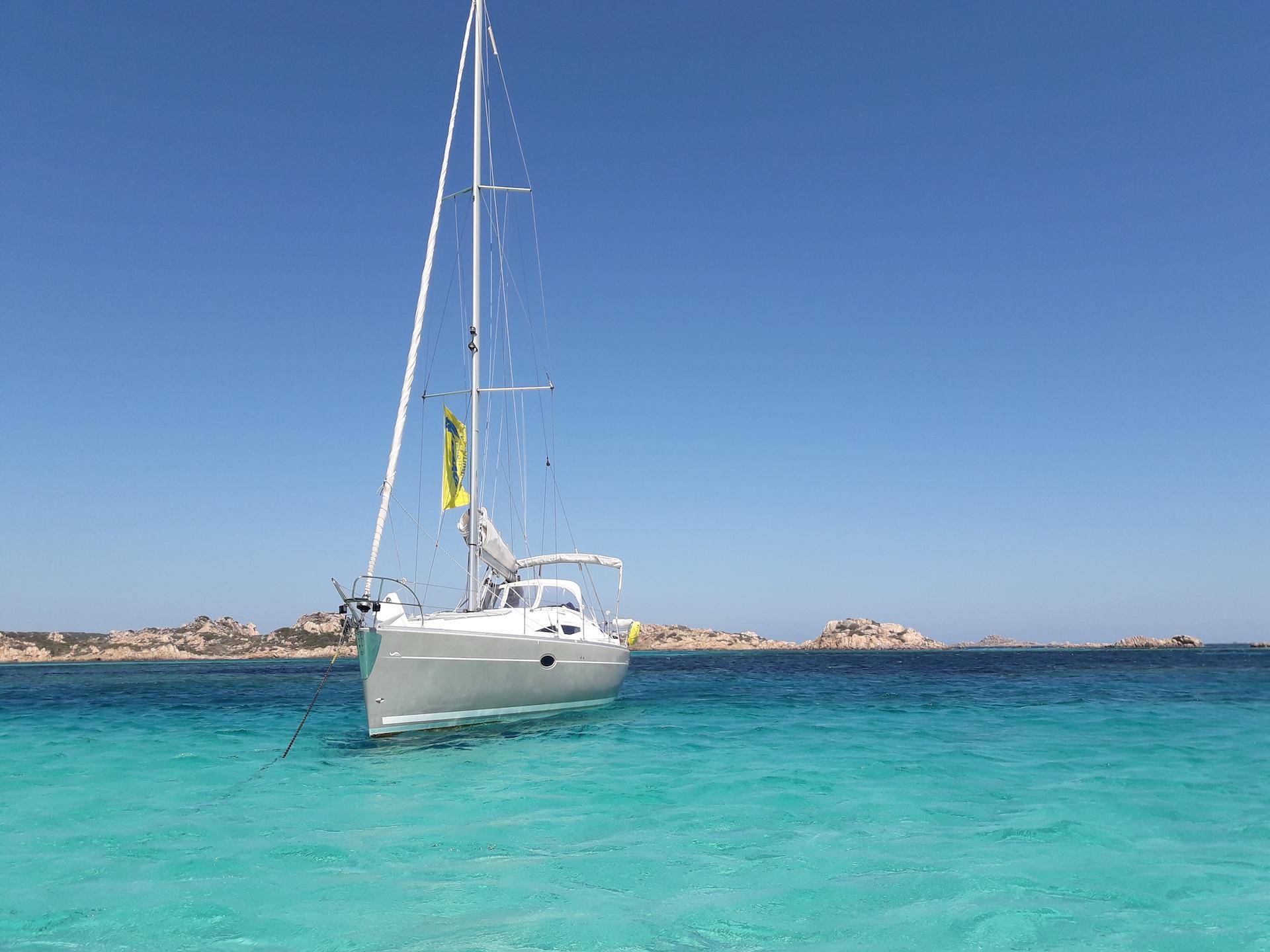 Escursioni-Barca-a-vela-da-Palau-isole-Maddalena