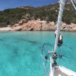 Tuffarsi dalla barca a vela Spargi